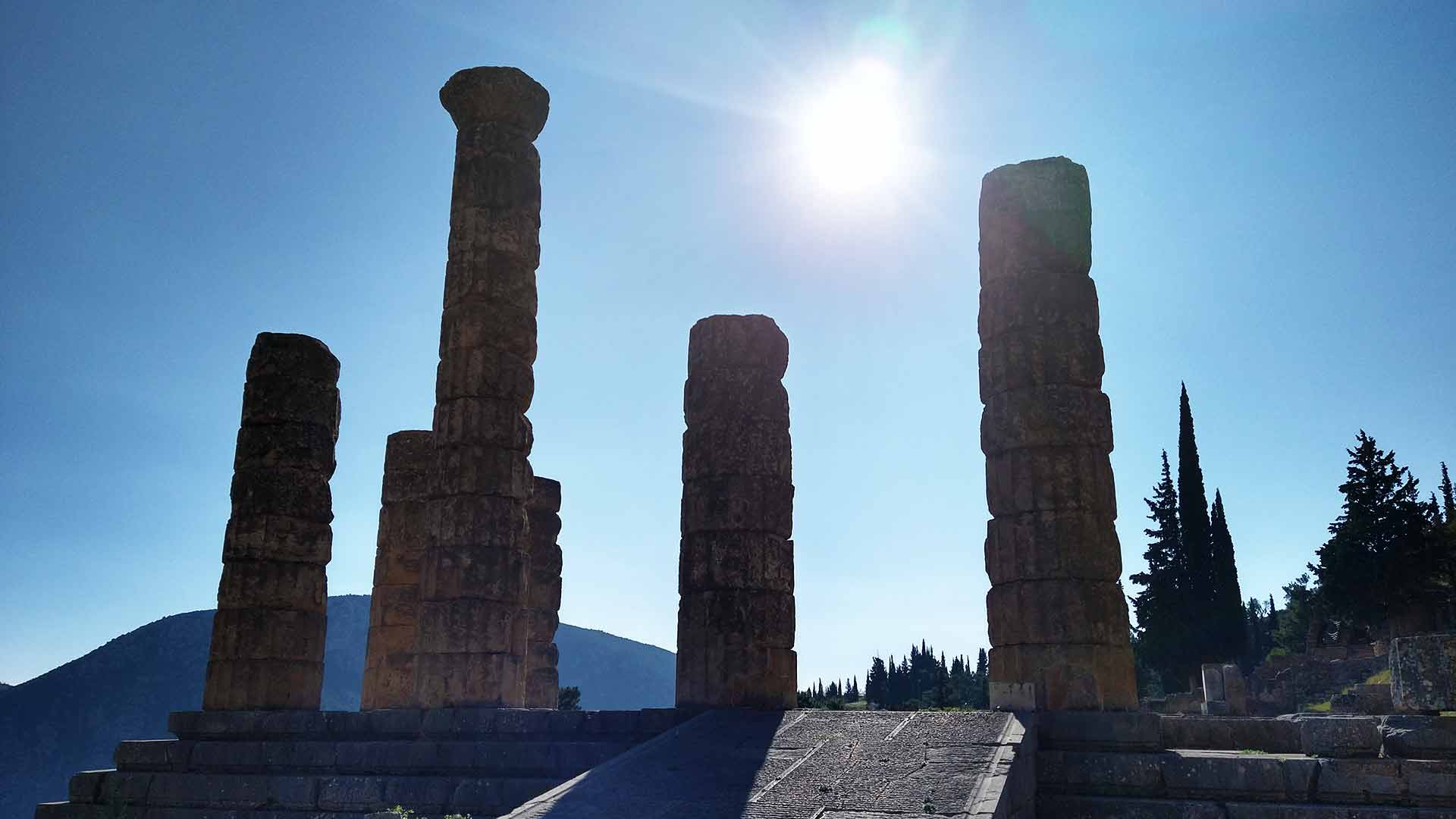 Marvel at the Apollo Temple in Delphi with a dutch speaking or german speaking guide